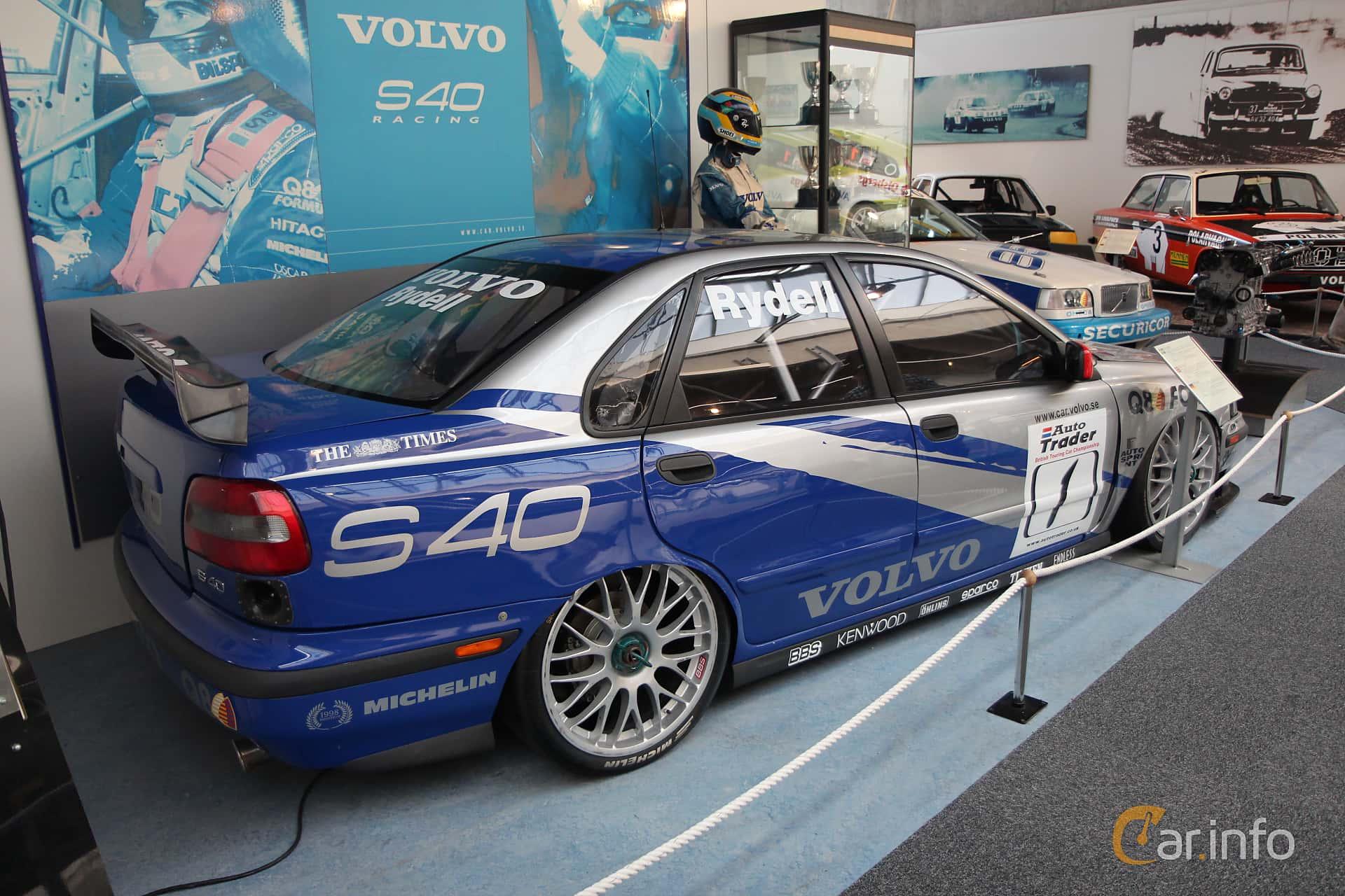 volvo-s40-back-side-1-162512.jpg