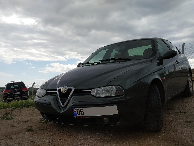 Alfa156_VWTouareg.jpg