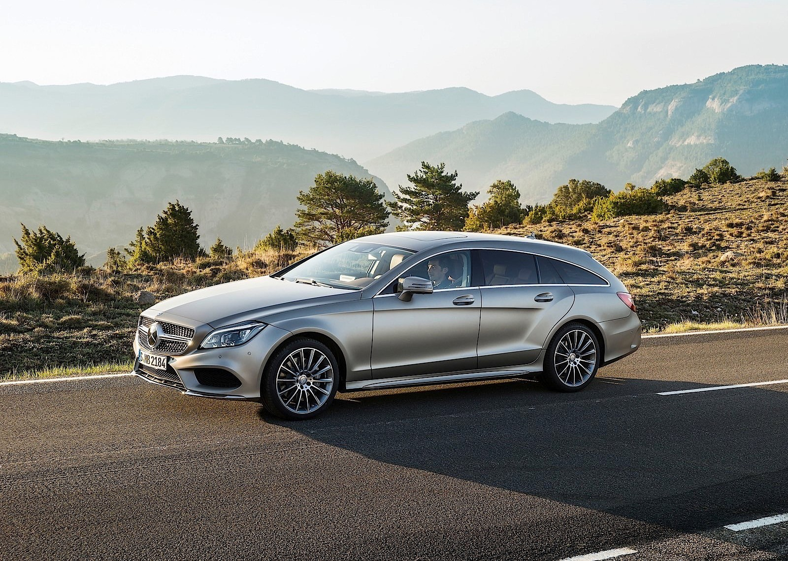 MERCEDES-BENZ-CLS-Shooting-Brake-5379_9.jpg