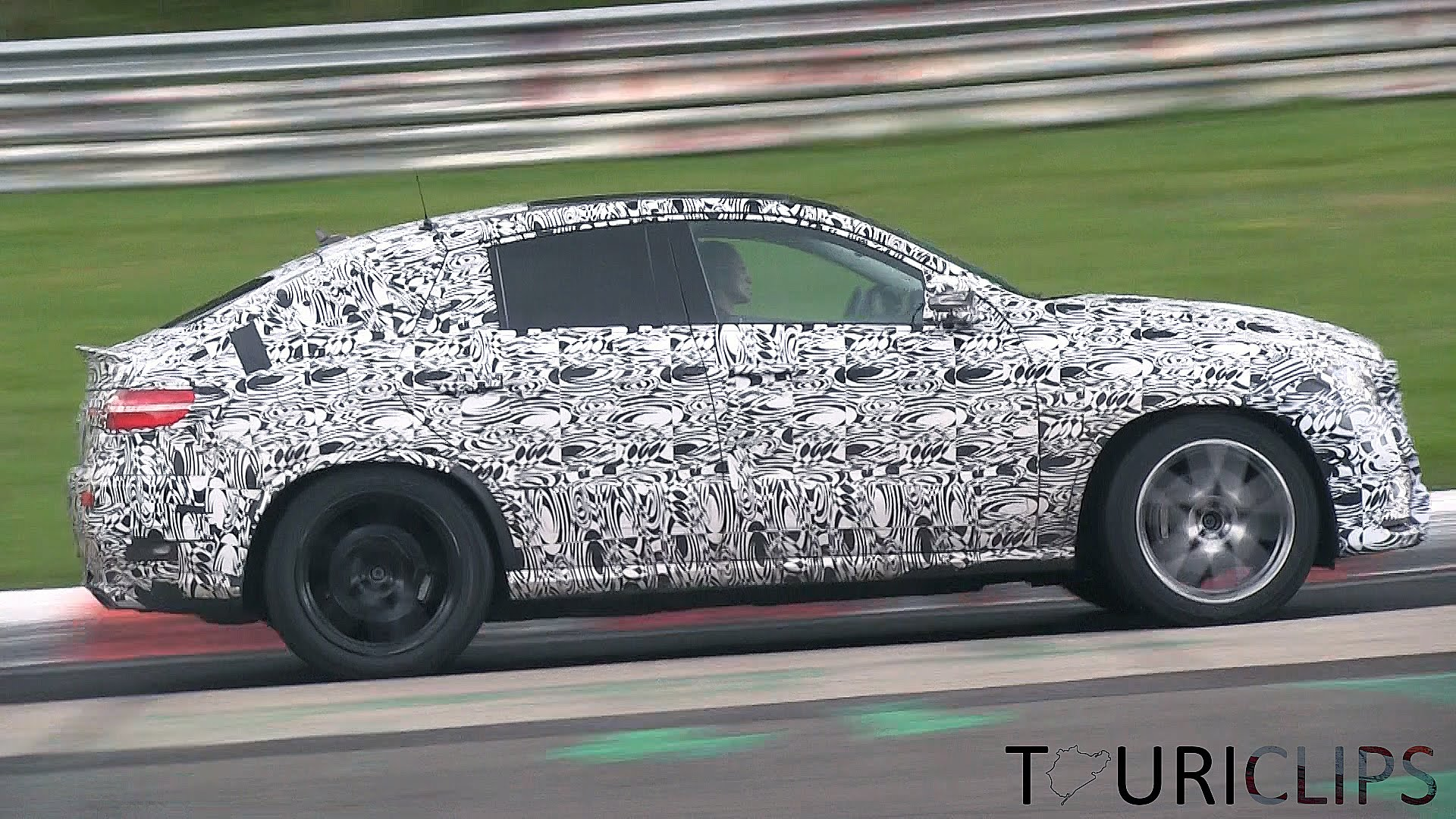Photo of Mercedes-Benz ML Coupe'den ilk görüntüler