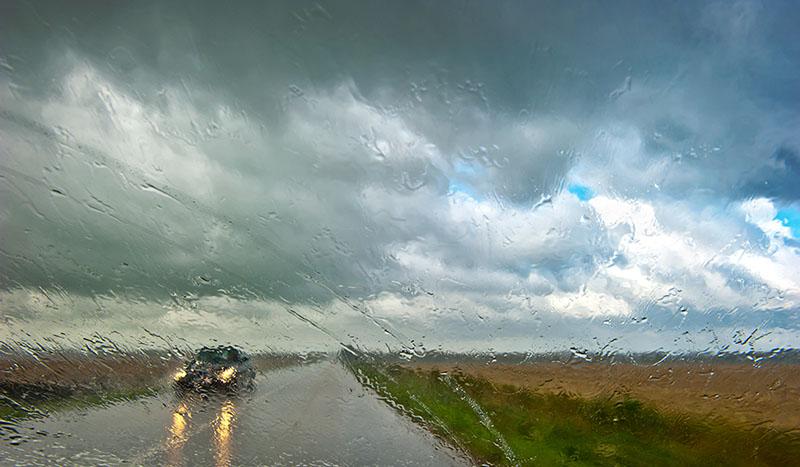 Photo of Yağışlı havalar için 5 güvenli sürüş tekniği