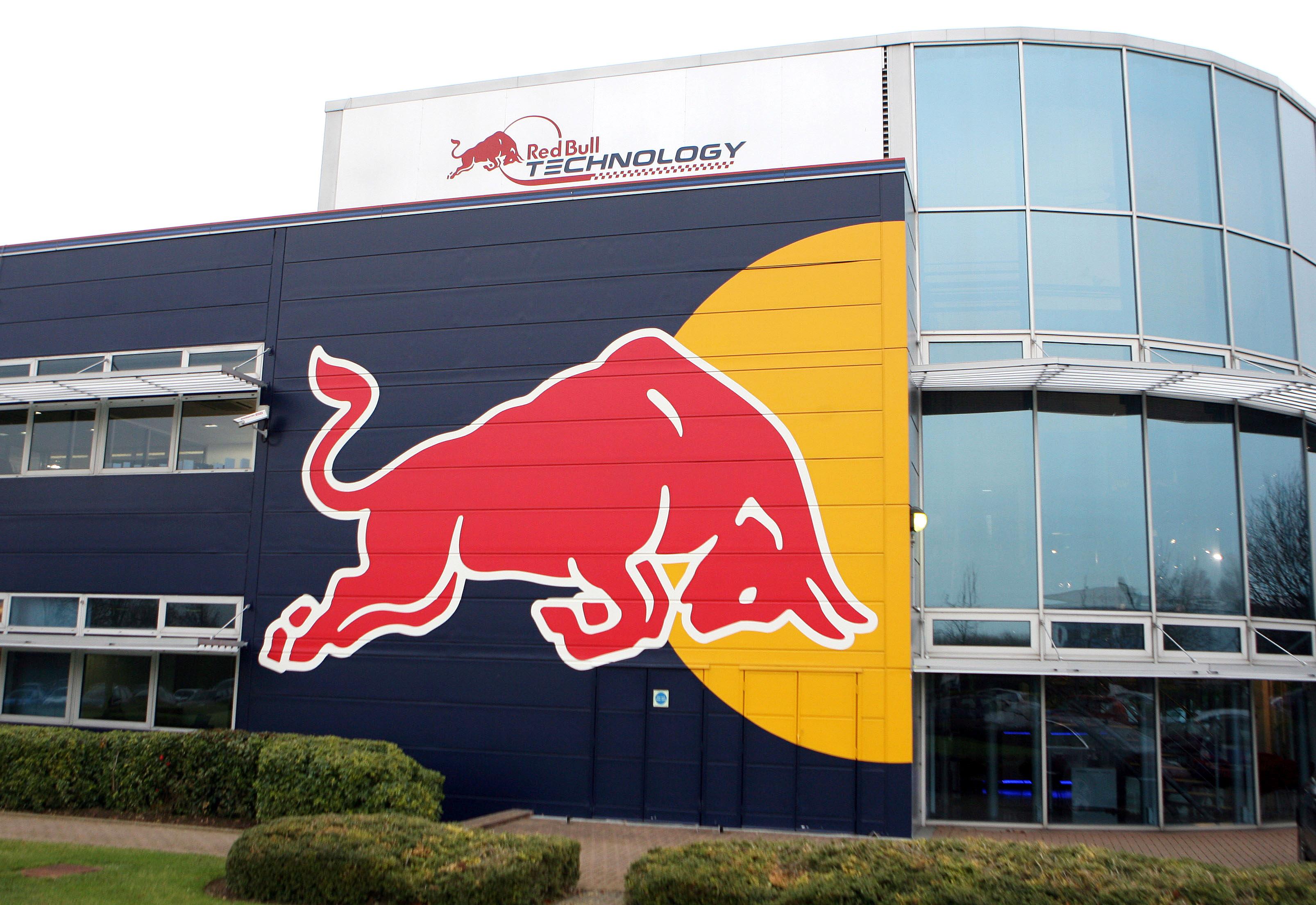 Photo of Red Bull'un kupaları çalındı