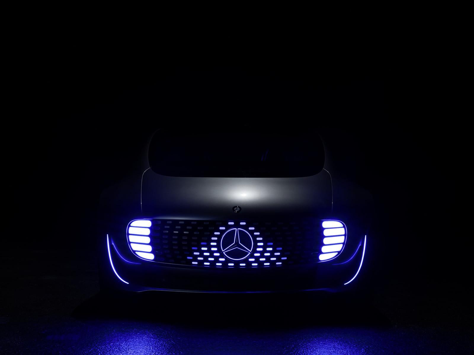 Photo of Mercedes-Benz şova devam ediyor