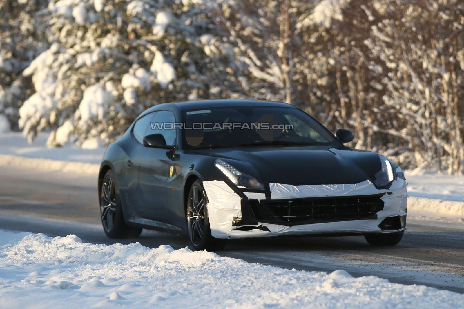 Photo of Ferrari FF yenileniyor