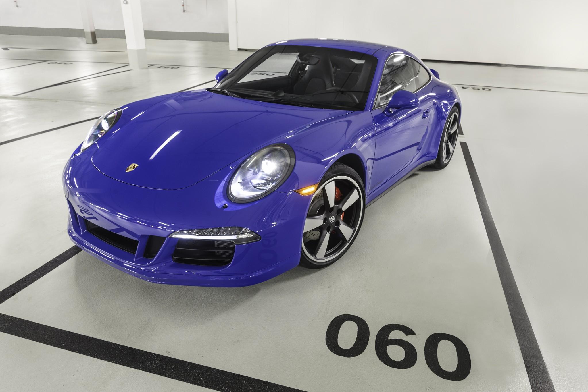 Photo of Porsche 911 GTS Clup Coupe