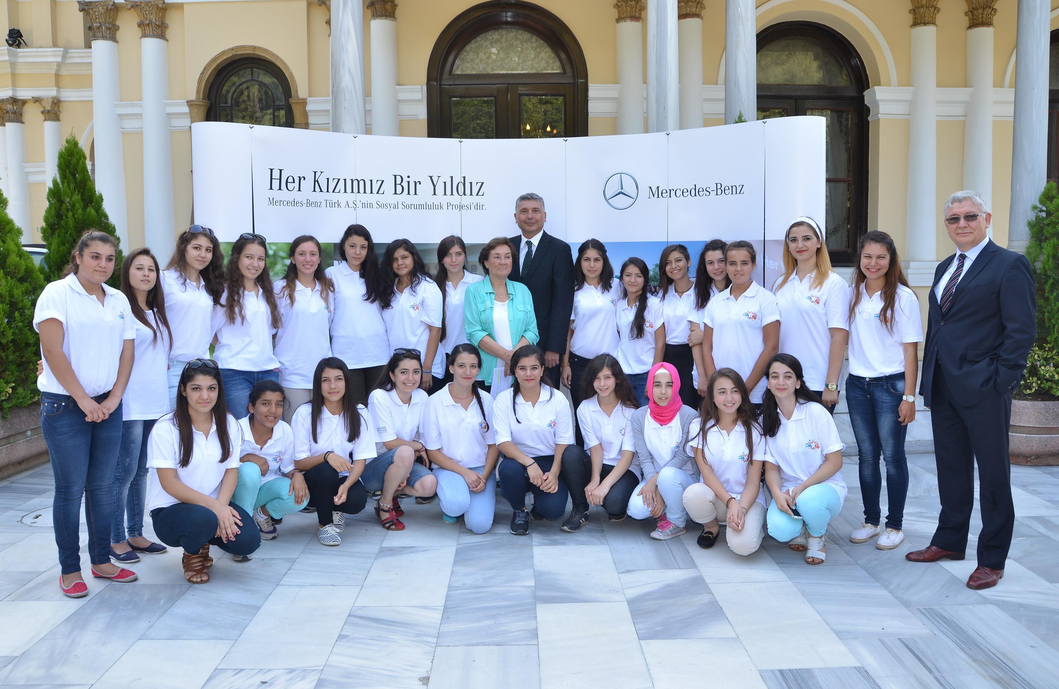 Photo of Her Kızımız Bir Yıldız Projesi'nin Yıldız'ları İstanbul'da