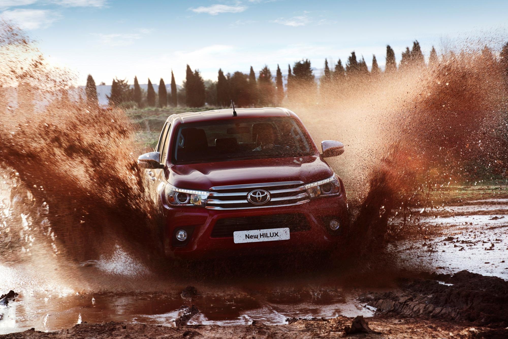 Photo of Yeni Toyota Hilux'ın fiyatı açıklandı
