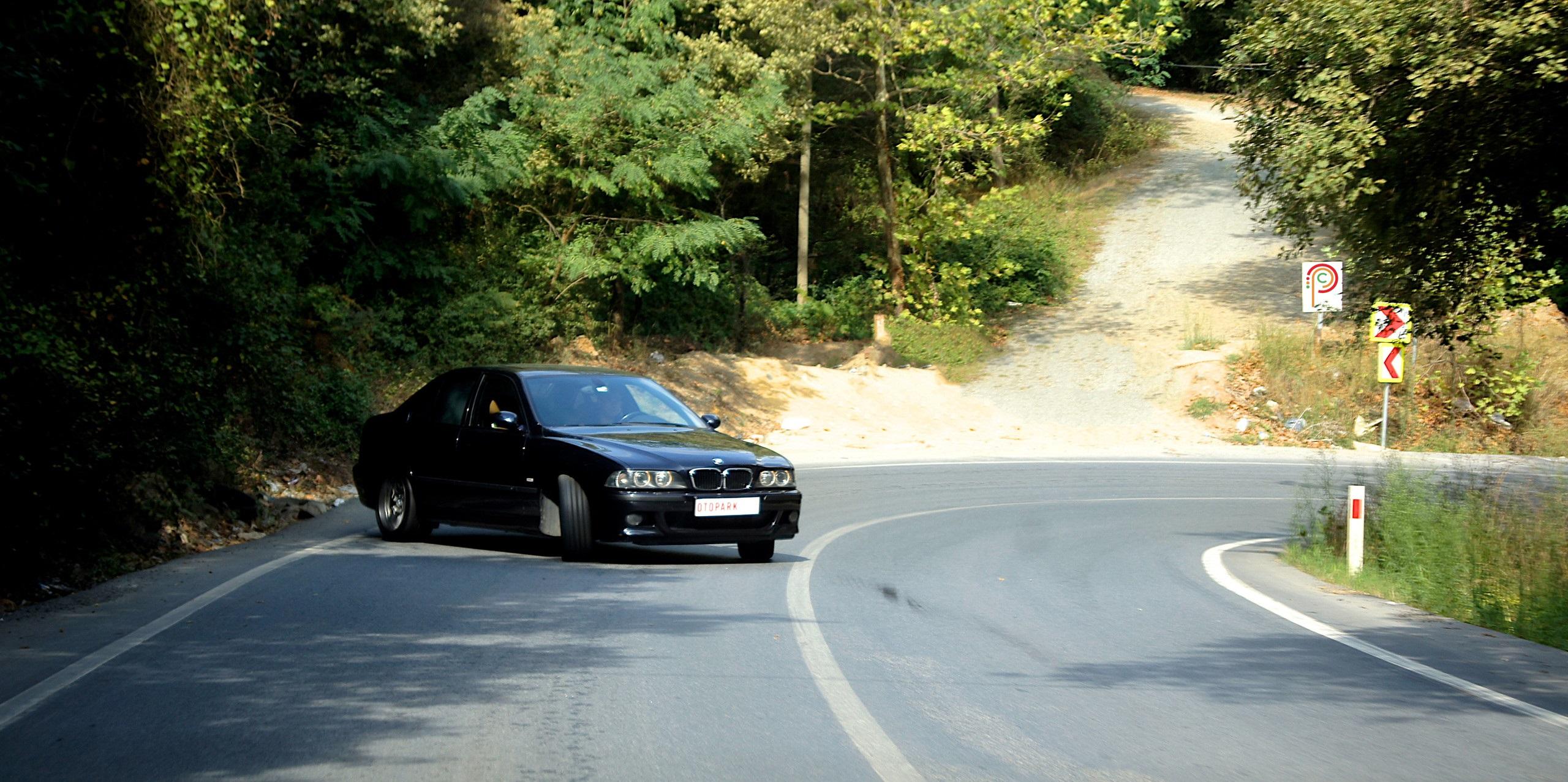 Photo of Kara Şövalye: BMW M5