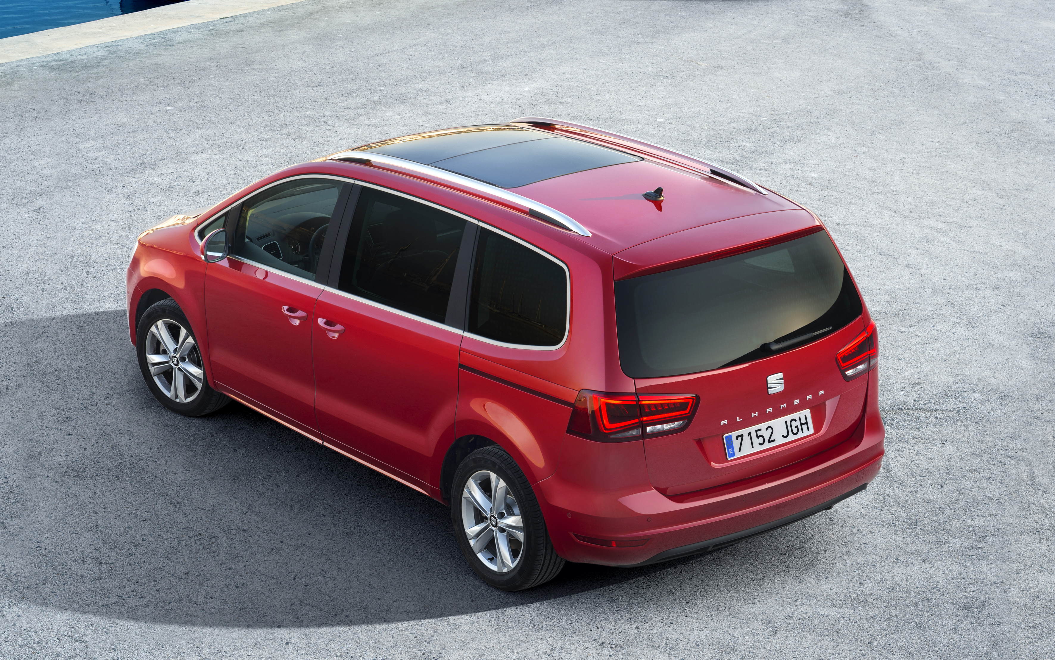 Photo of Yeni SEAT Alhambra