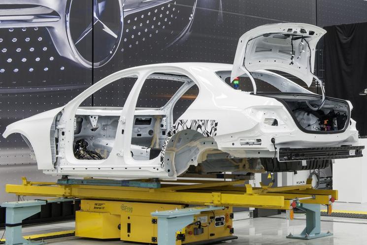 Photo of Mercedes-Benz E serisi W213 kasaya ait üretim fotoğrafları ortaya çıktı