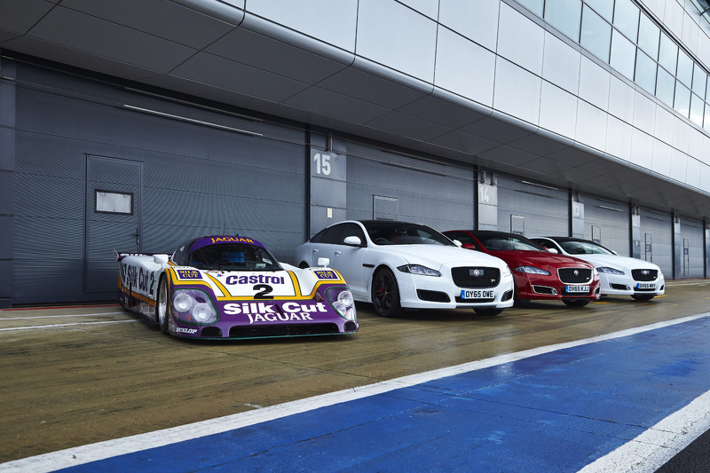Photo of Jaguar XJR ve XJR9-LM Silverstone'da Buluştu