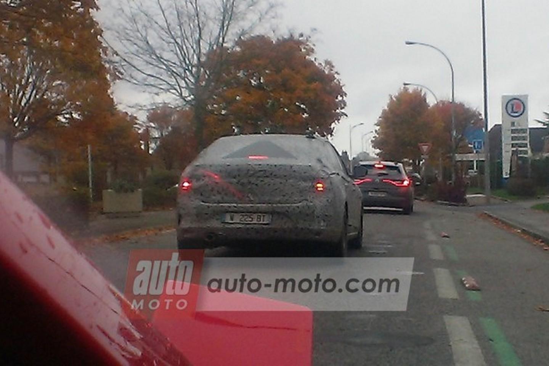Photo of Yeni Renault Fluence ağır kamuflajlı görüntülendi