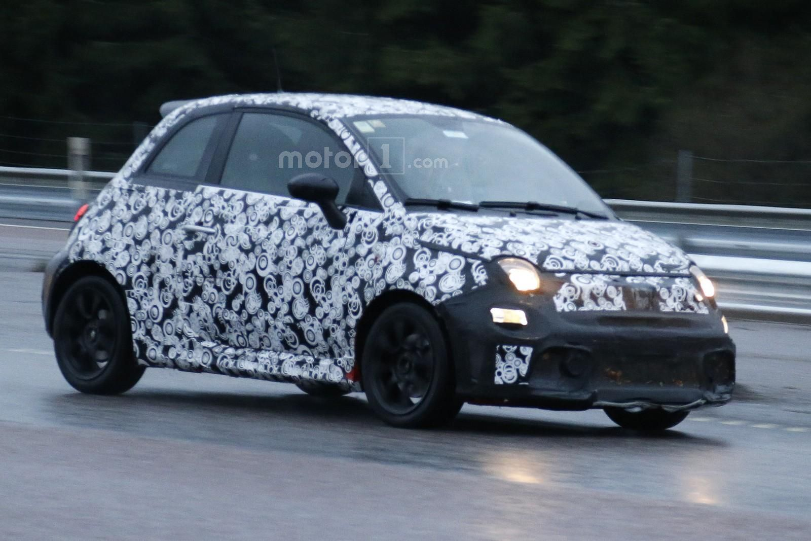Photo of Makyajlı Fiat 500 Abarth ilk kez görüldü