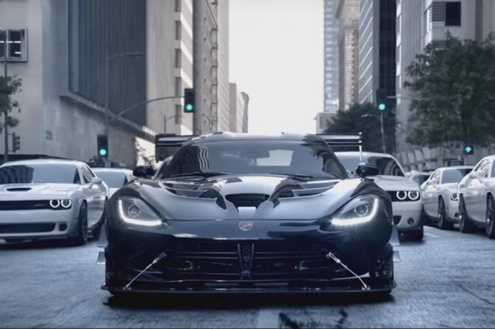 Photo of Dodge Viper ACR karanlık tarafa geçiyor!