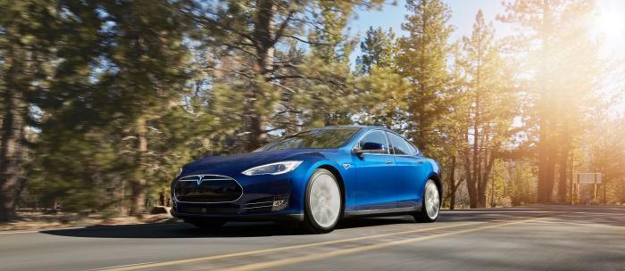 Photo of Tesla'dan sürücüsüz araç geliyor!
