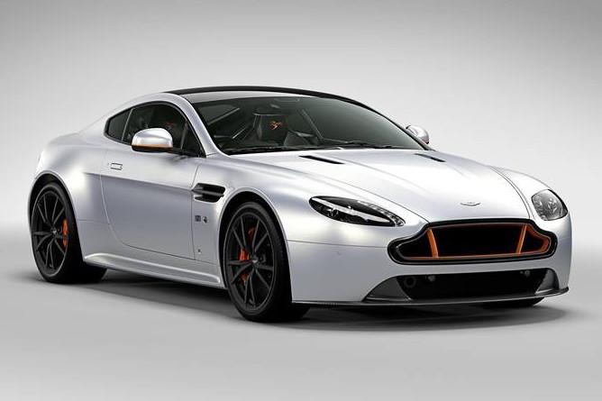 Photo of Aston Martin, V8 Vantage S Blades Edition'ı sunar