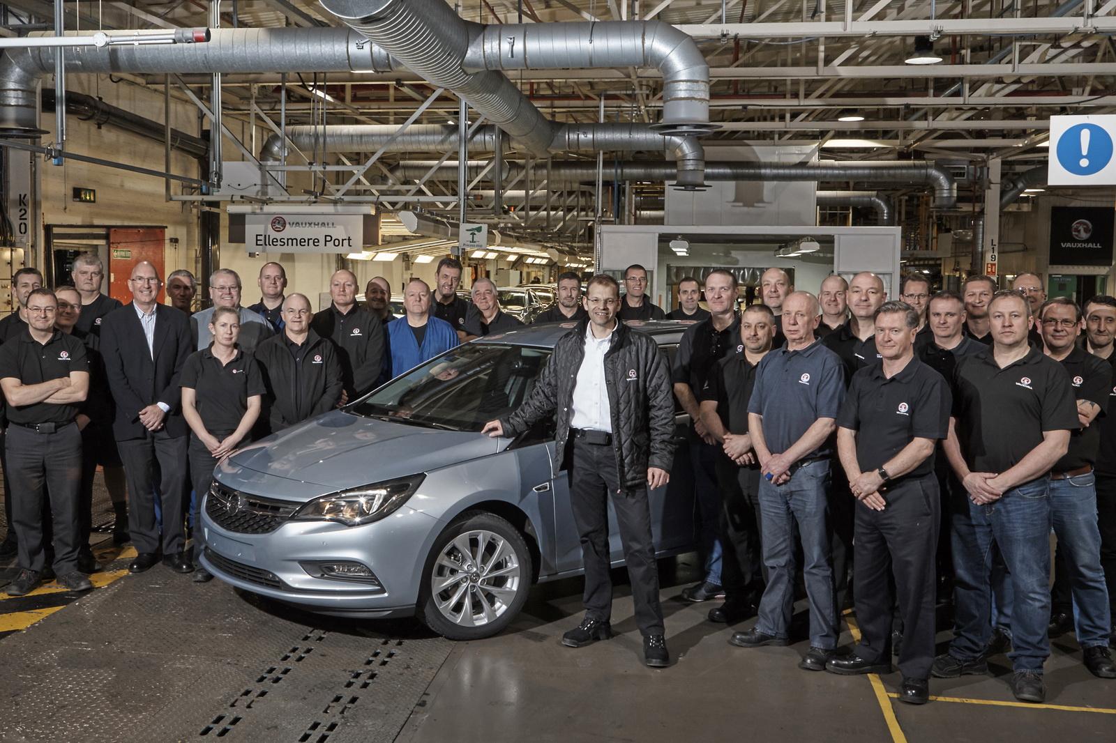 Photo of Opel, İngiltere'de Astra Sports Tourer üretimine başladı