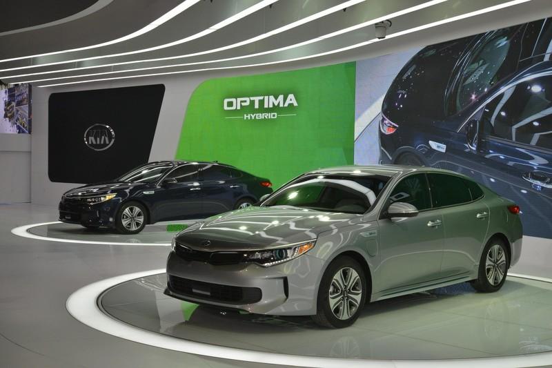 Photo of 2017 Kia Optima Hybrid ve Optima Plug-in Hybrid gün yüzüne çıktı