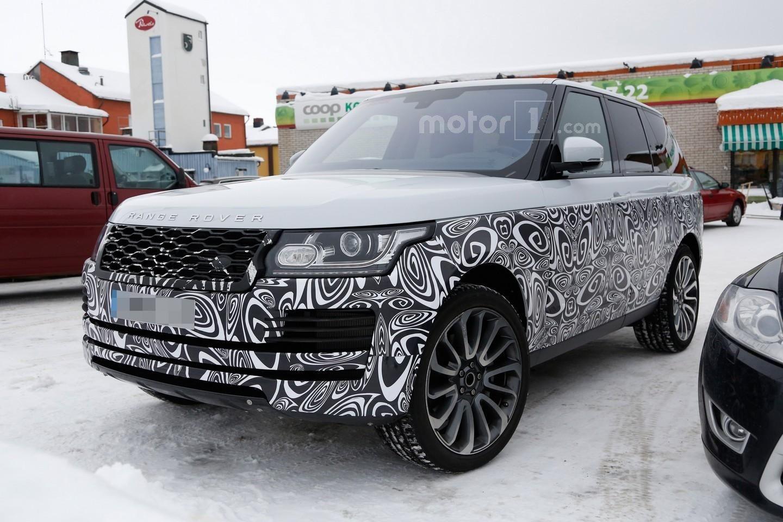 Photo of Makyajlı Range Rover kamuflaj altından göz kırptı