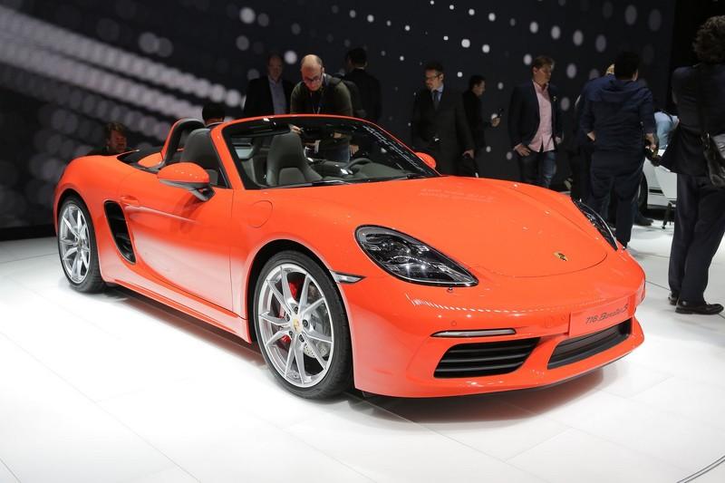 Photo of Porsche'den 4 silindire dönüş