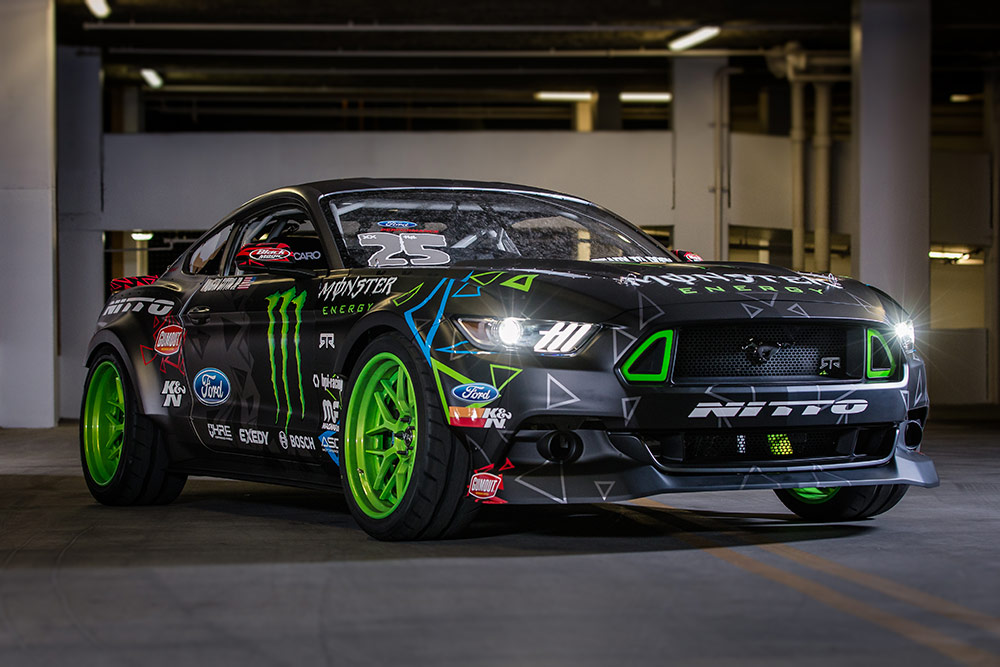 Photo of Vaughn Gittin Jr. ve 900 beygirlik yeni Mustang'i