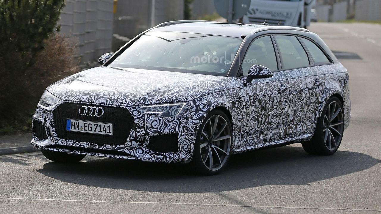 Photo of Yeni Audi RS4 Avant kamuflajıyla göründü
