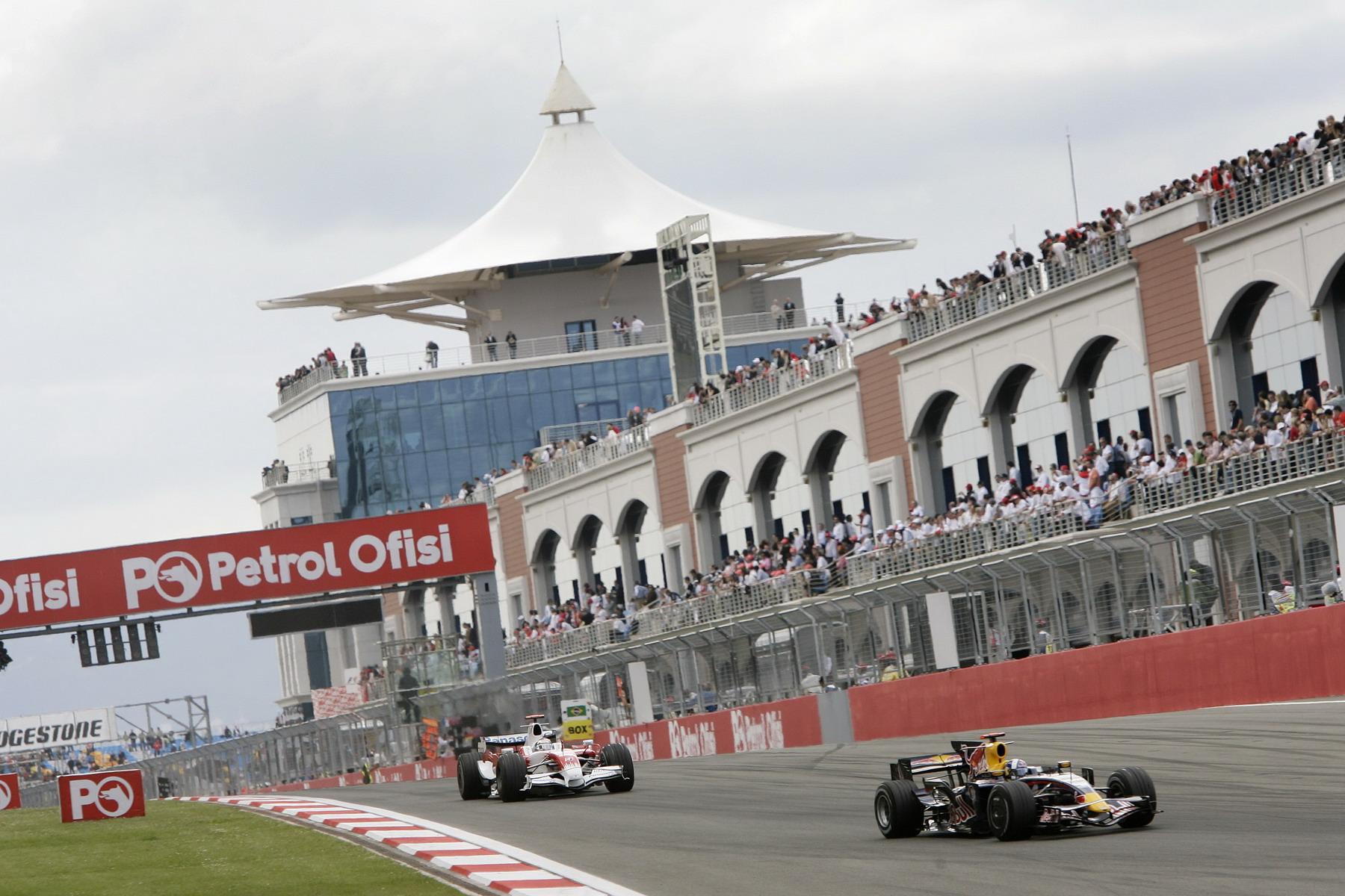 Photo of Petrol fiyatlarının Formula 1 üzerindeki etkisi
