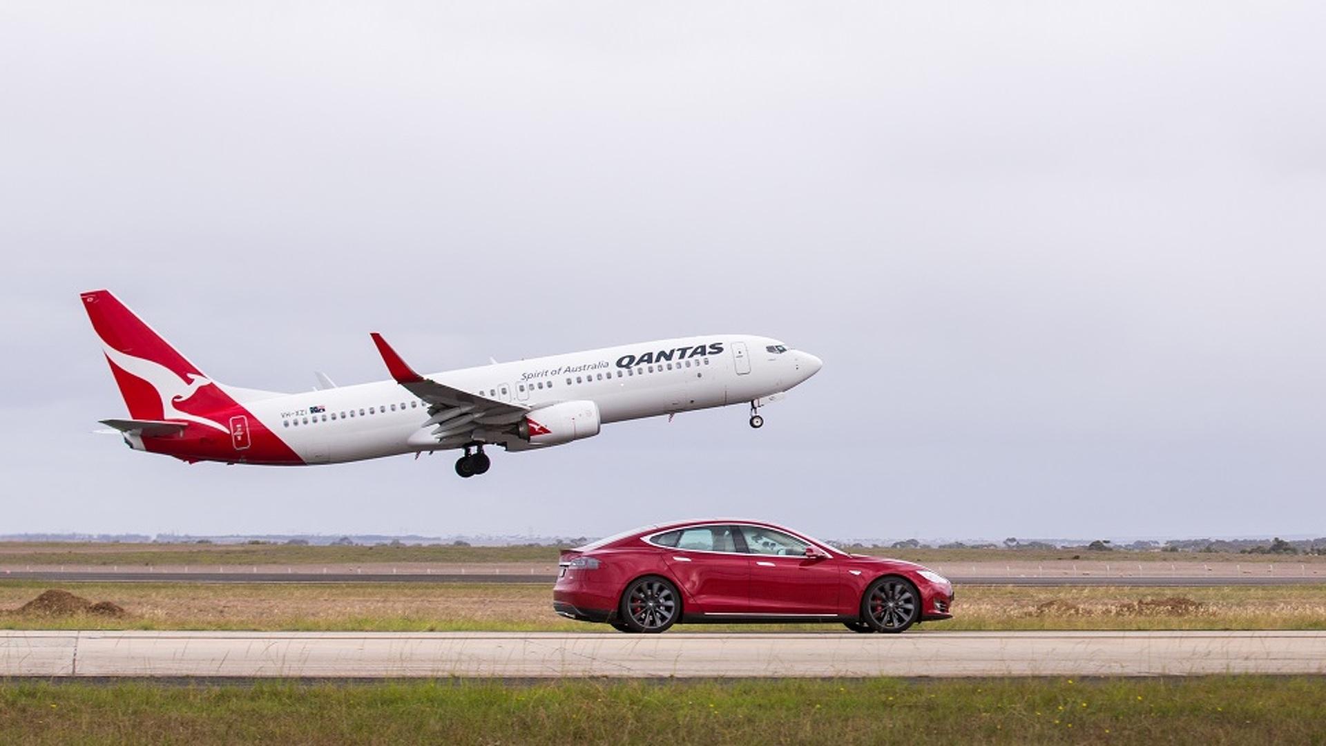 Photo of Tesla Model S ile Boeing 737 yarışıyor!
