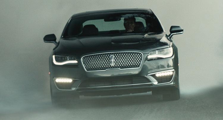 Photo of Lincoln, 2017 MKZ ile etkileyici reklamlara devam ediyor