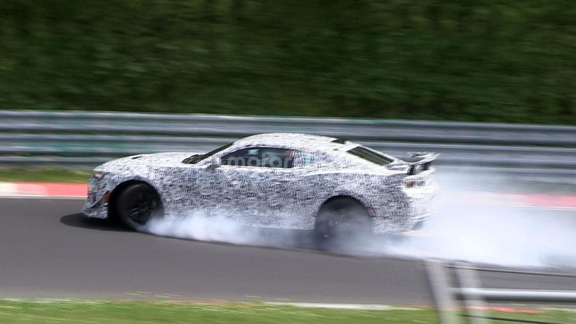 Photo of Camaro Z/28 test sırasında kaza yaptı