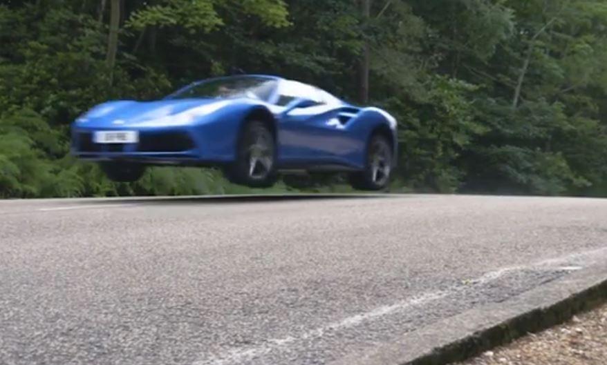 Photo of O bir kuş, hayır o bir uçak, hayır hayır o bir Ferrari 488 Spider…