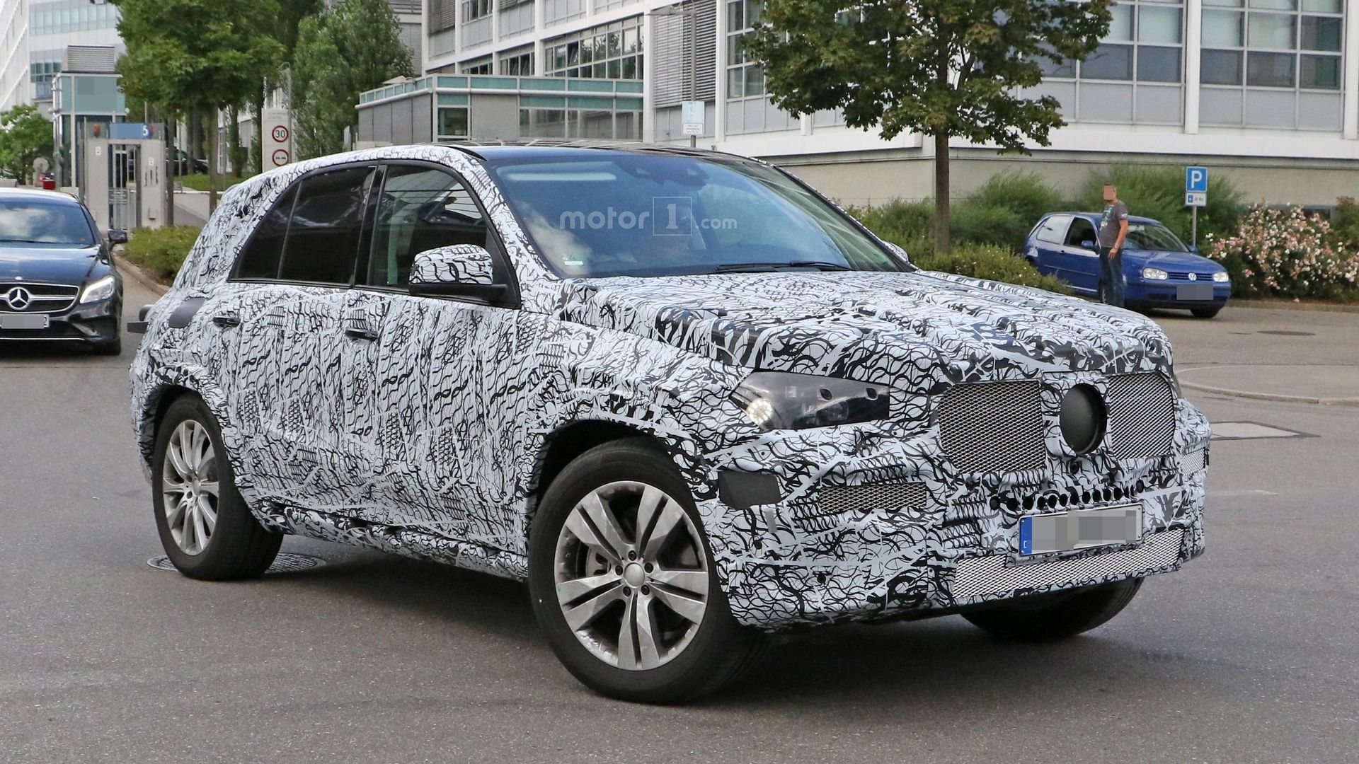 Photo of Yeni Mercedes Benz GLE kar testinde görüntülendi