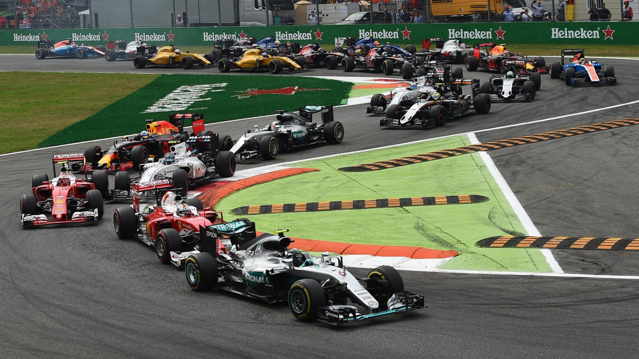 Photo of F1 İtalya GP: Nico Rosberg kazandı, fark azaldı!