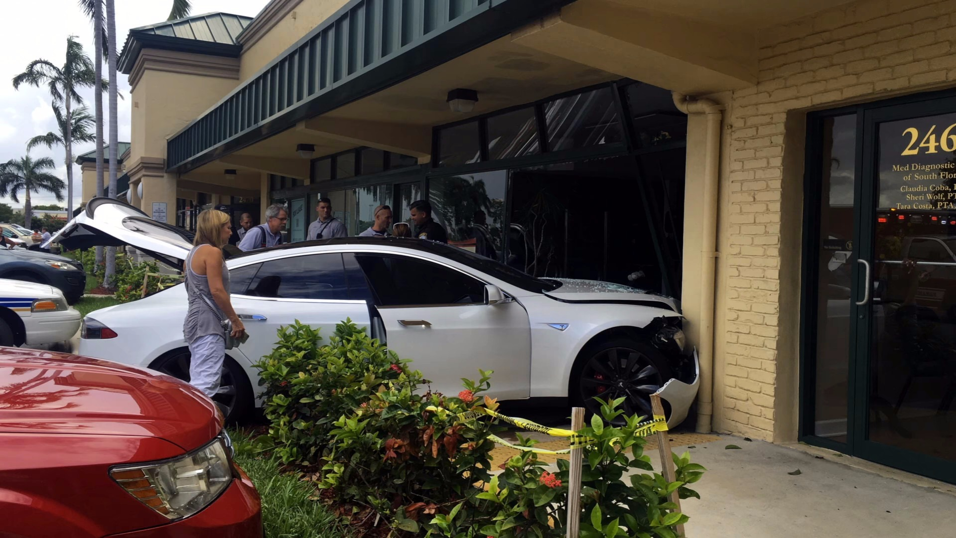 Photo of Tesla Model S Florida'da kaza yaptı
