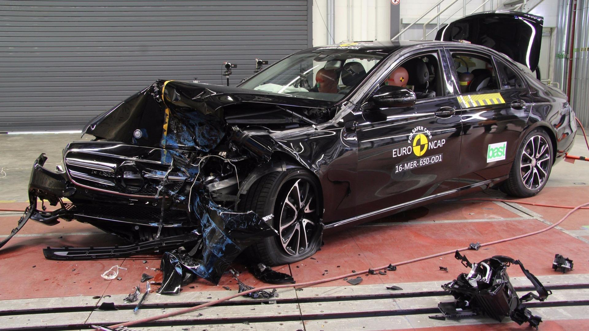 Photo of Otomobillerin 20 yıldaki güvenlik gelişimi