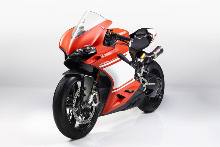 Photo of EICMA: Ducati 1299 Superleggera – Project 1408 (Dünya Prömiyeri)