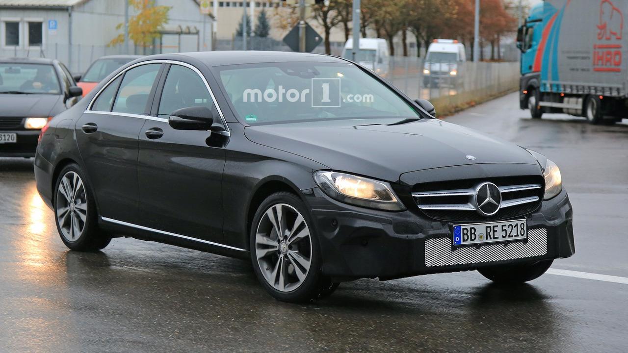 Photo of Mercedes C-Serisi makyajlanıyor