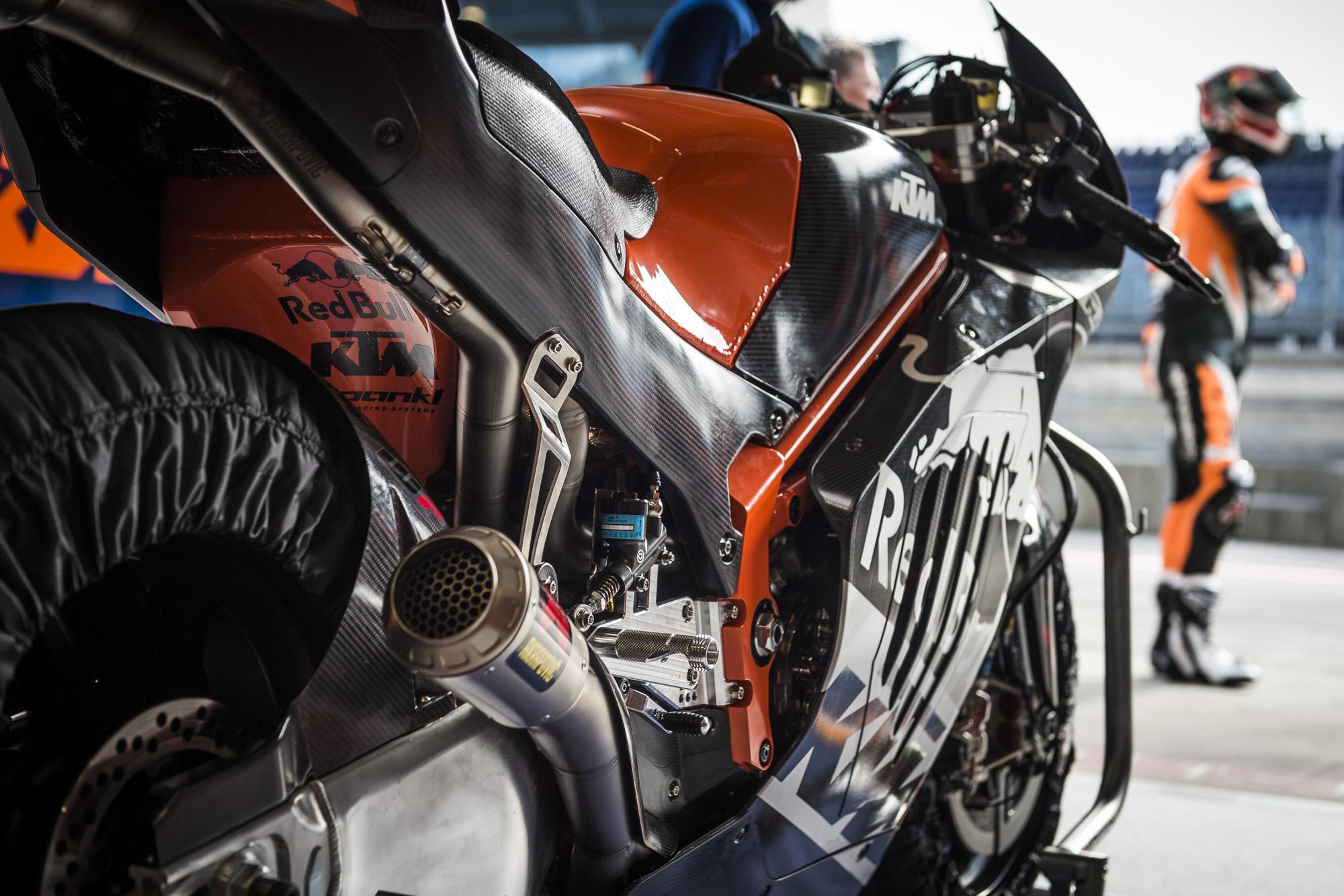 Photo of KTM RC16 ilk MotoGp yarışına çıkıyor !
