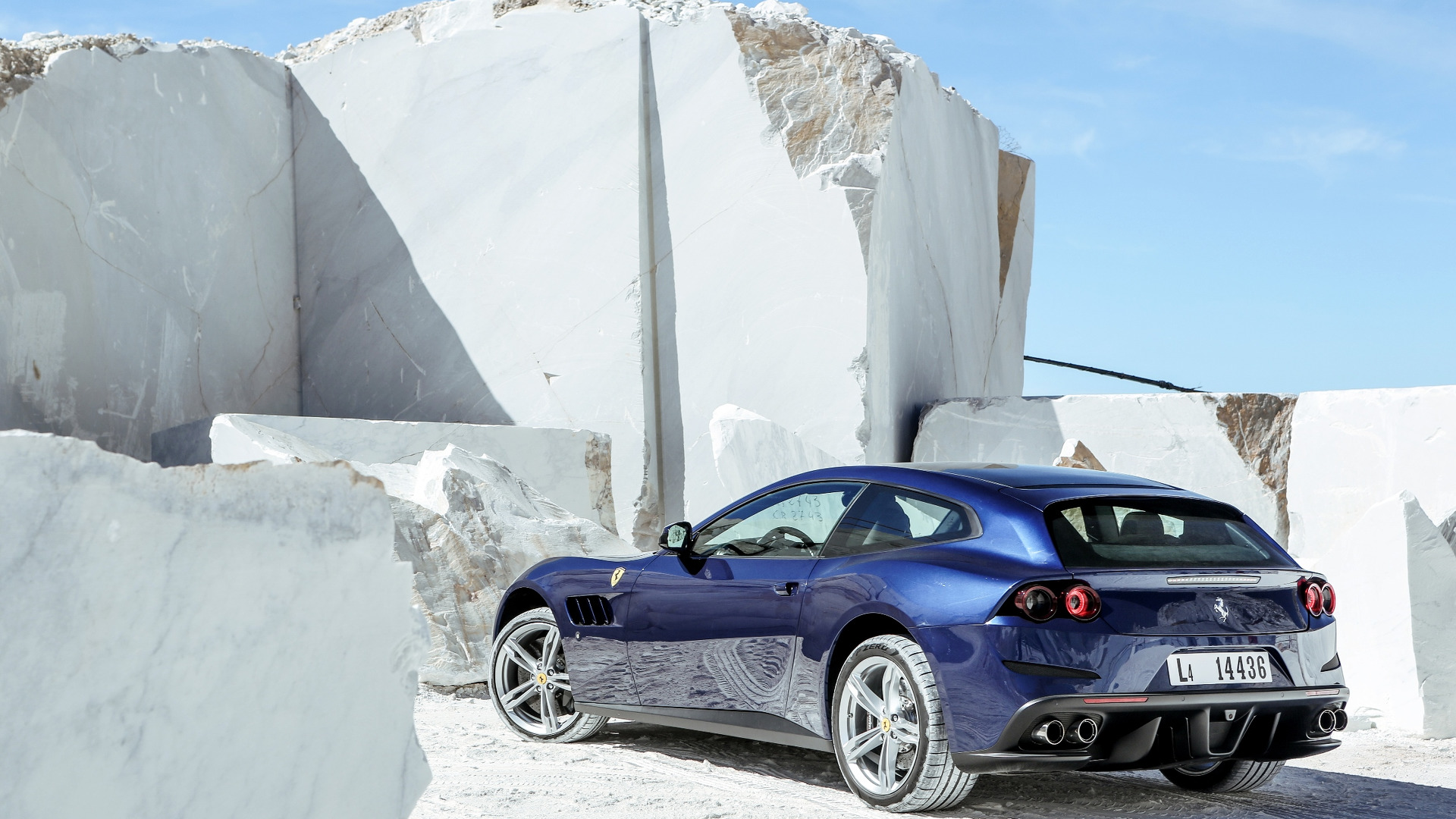 Photo of Ferrari GTC4Lusso'nun Türkiye fiyatı belli oldu