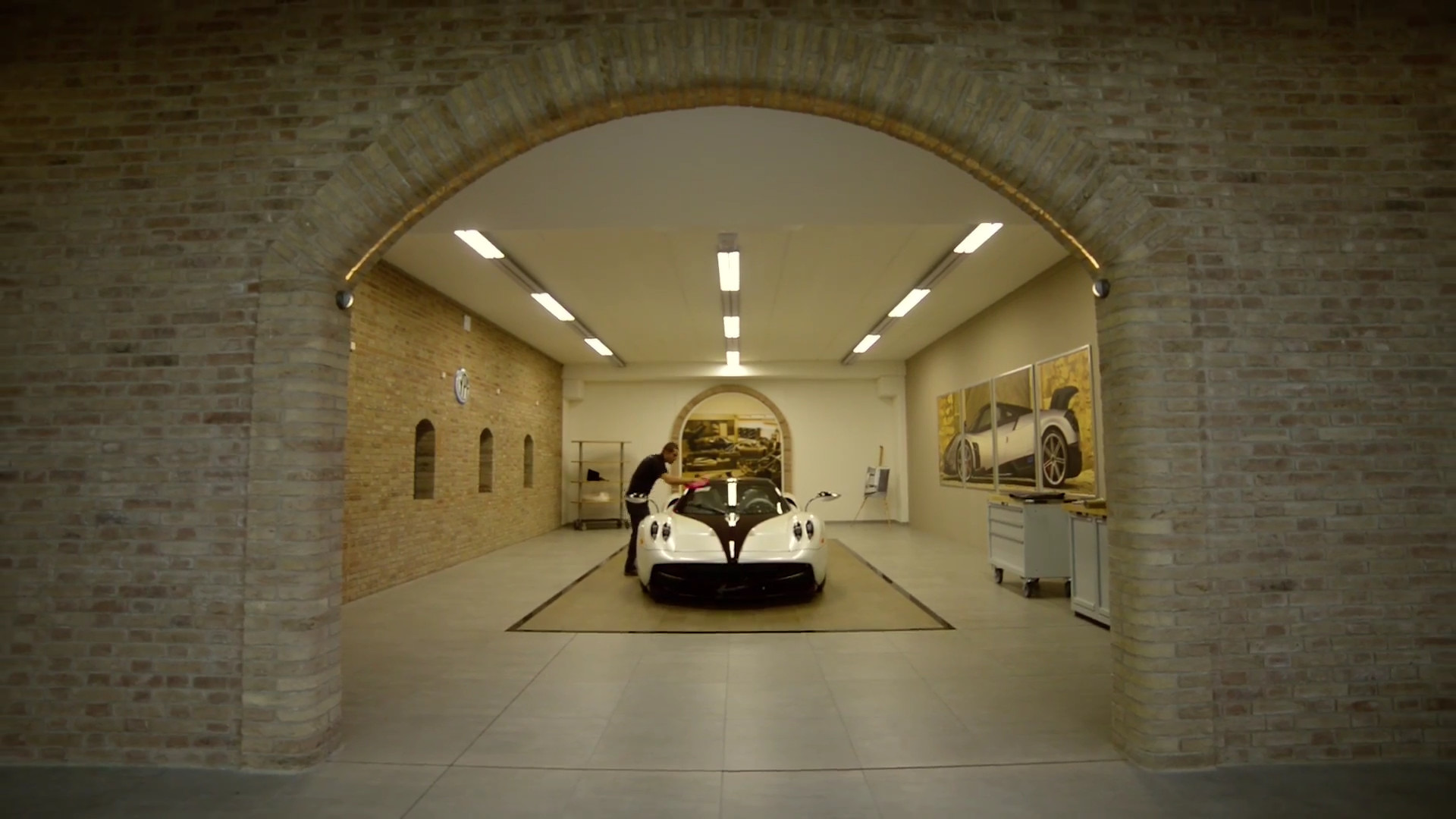 "Photo of Pagani'nin ""nefes kesen"" yeni fabrikası"