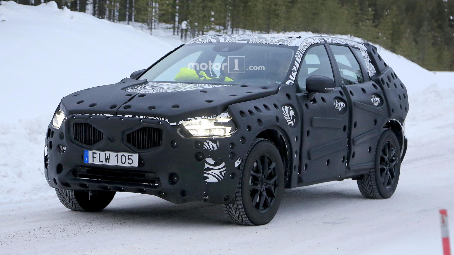Photo of Yeni XC60 kışa hazırlanıyor