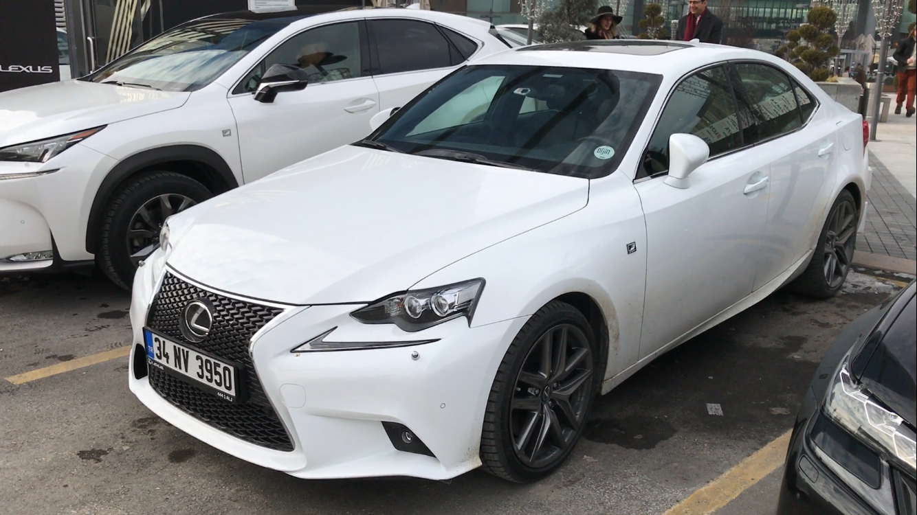 Photo of Lexus IS 200 T Pov İnceleme