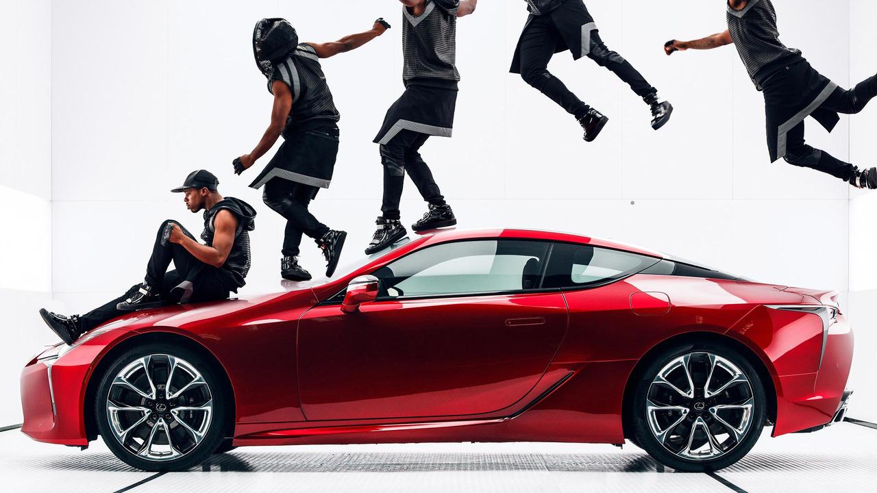 Photo of Lexus, LC500 için Çok Artistik Bir Reklam Yayınladı