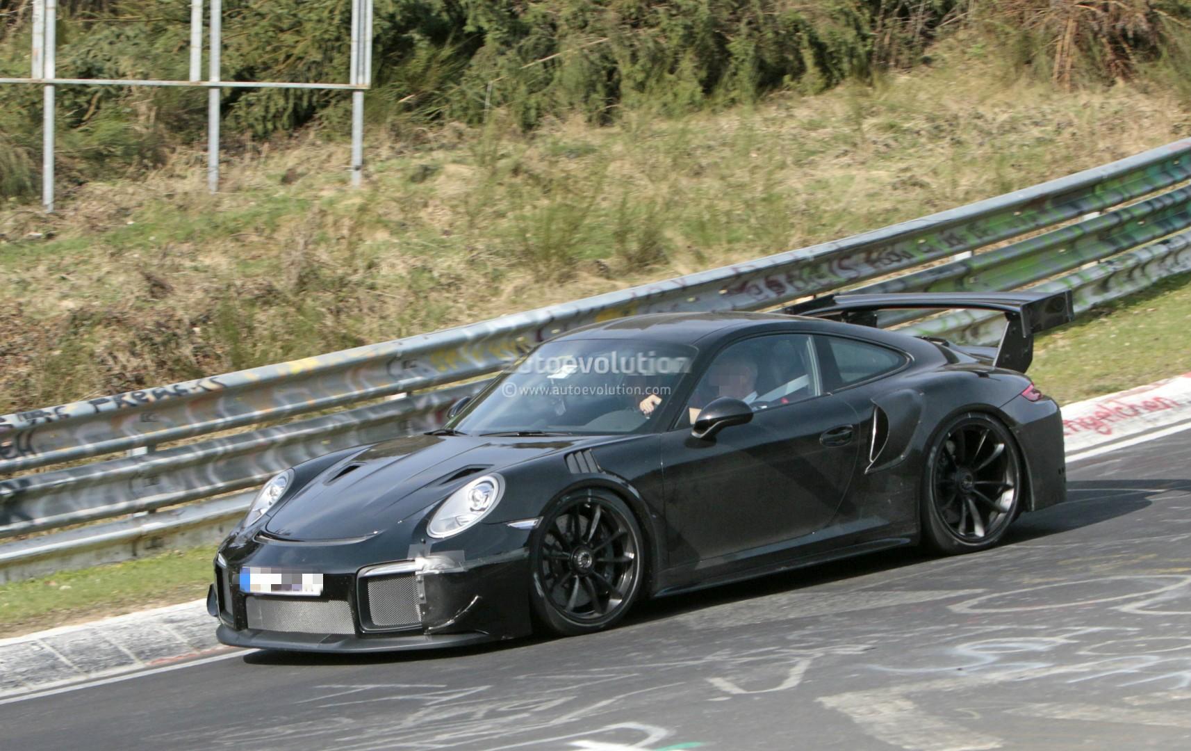 Photo of Yeni 911 GT2 Nurburgring'te görüntülendi