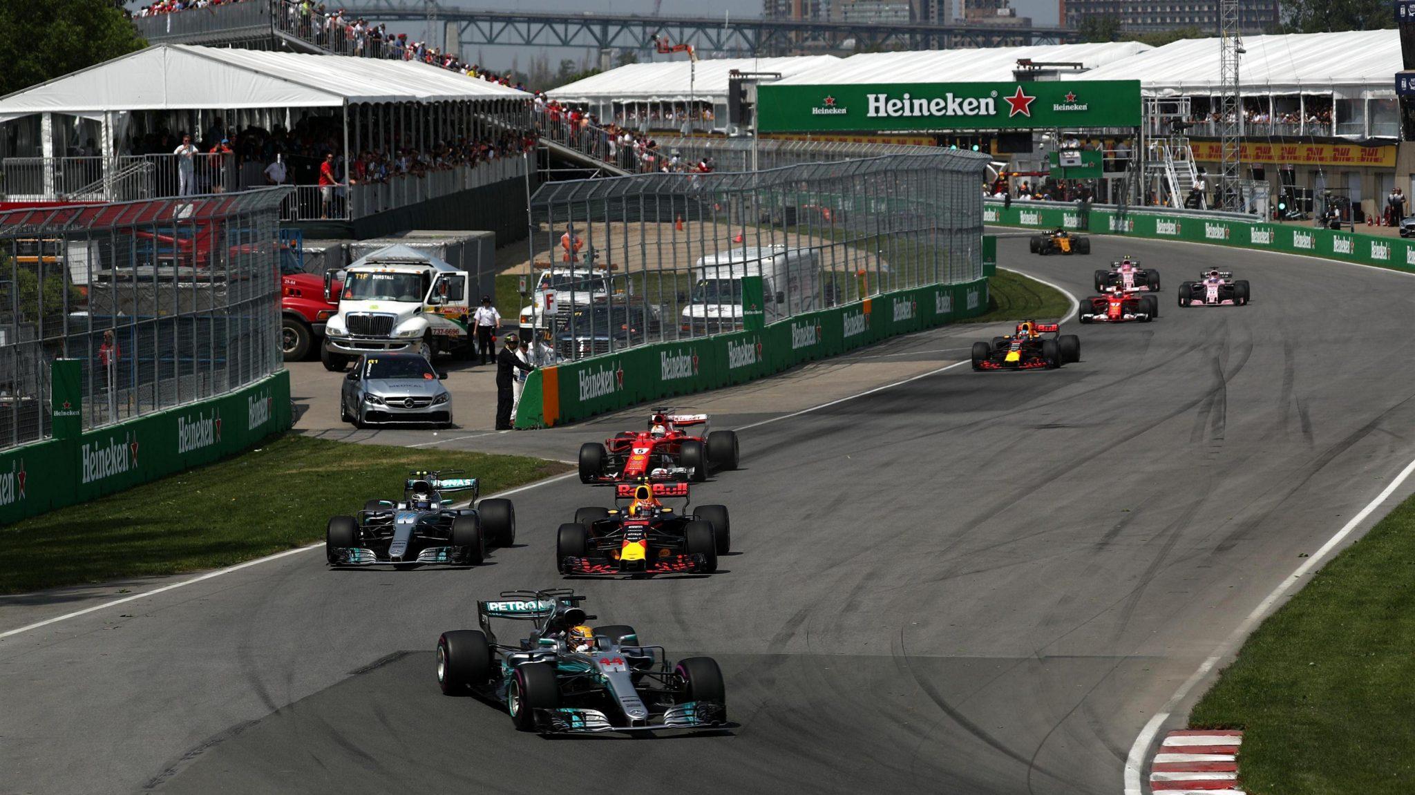 Photo of F1 Kanada GP: Hamilton rahat kazandı, Ferrari karıştı!