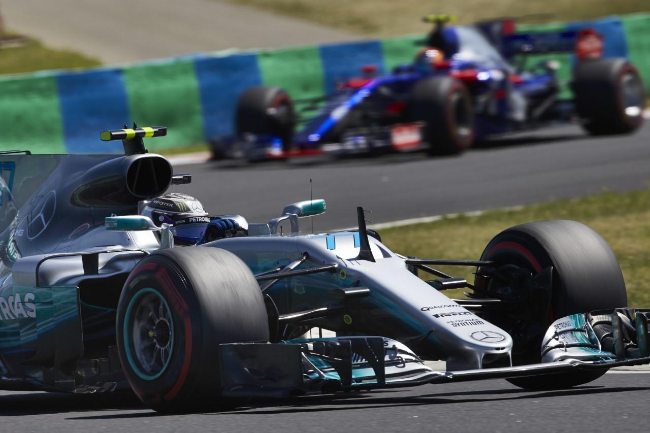 Photo of Bottas üst üste beşinci kez podyumda, Mercedes yine zirvede!