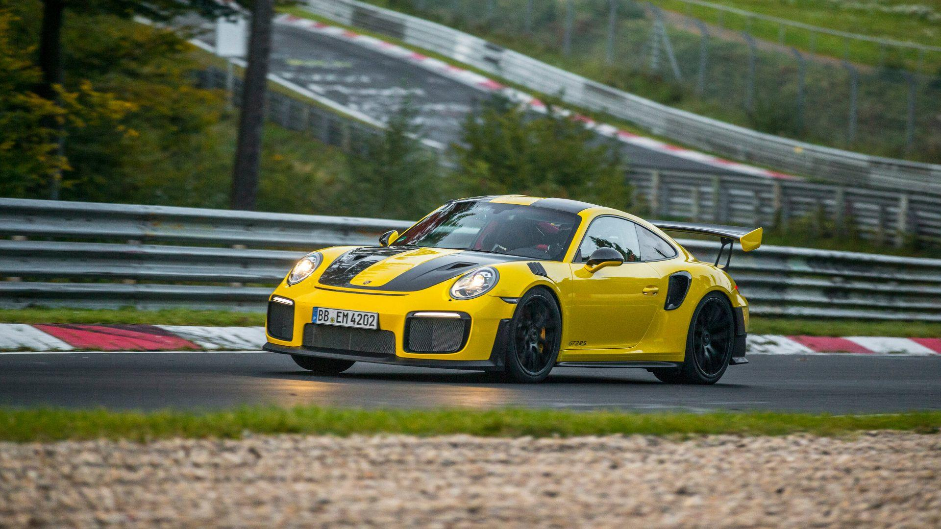 Photo of Porsche 911 GT2 RS, Nürburgring rekoru kırdı!