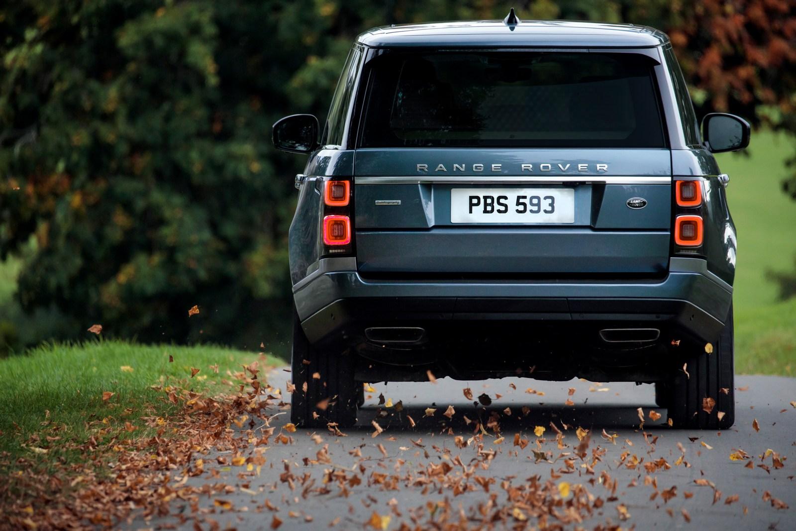 Photo of İngiliz otomotiv devi Range Rover tarihinde bir ilk