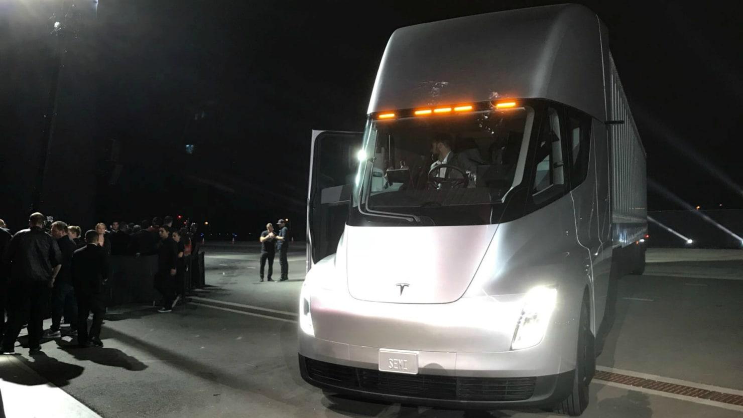 Photo of Tesla Semi'nin hızlanma videosu ortaya çıktı