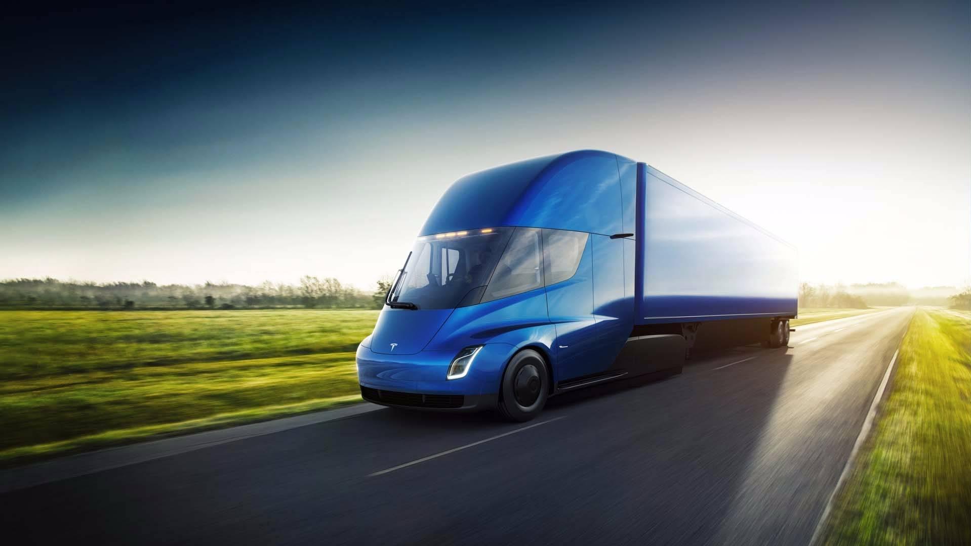 Photo of Tesla, elektrikli yeni tır modeli Semi'yi duyurdu!
